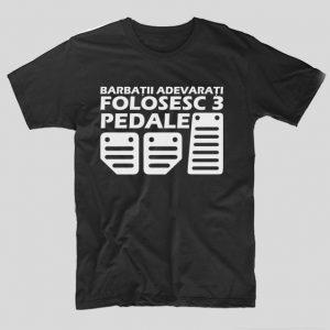 tricou-negru-cu-mesaj-haios-pentru-soferi-barbatii-adevarati-folosesc-3-pedale
