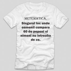 tricou-alb-cu-mesaj-haios-matematica-singurul-loc-unde-oameniicumpara-60-de-pepeni-si-nimeni-nu-intreaba-de-ce