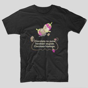 tricou-negru-cu-mesaj-haios-ciocolata-nu-pune-intrebari-stupide-ciocolata-intelege