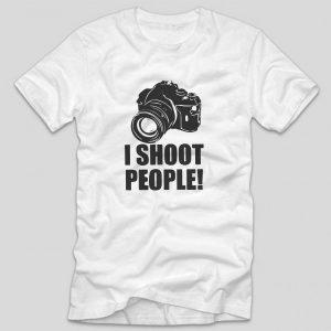 tricou-alb-cu-mesaj-haios-i-shoot-people-fotografi-fotografie