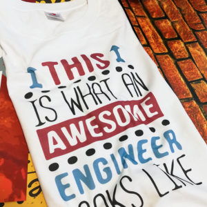 tricou-alb-cu-mesaj-haios-this-is-what-an-awesome-engineer-looks-like