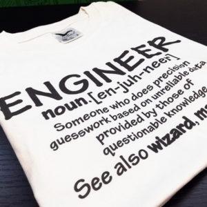 tricou-alb-cu-mesaj-ingineri-engineer-definition