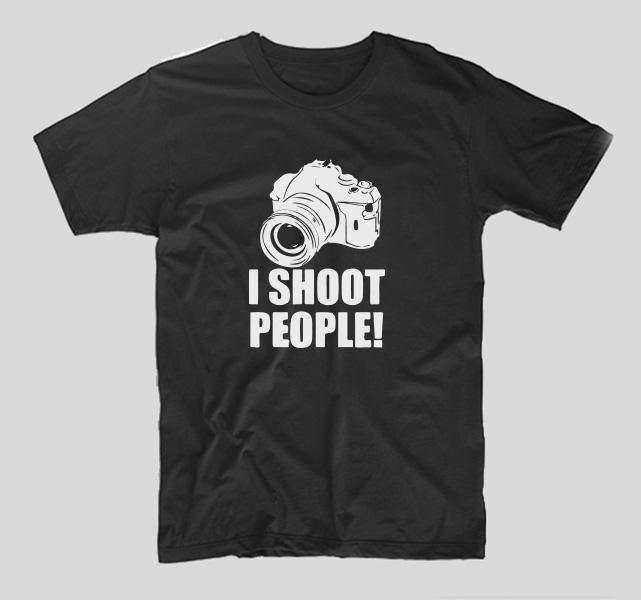 tricou-negru-cu-mesaj-haios-i-shoot-people-fotografi-fotografie