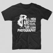 tricou-negru-cu-mesaj-haios-pentru-fotografi-all-men-are-created-equal-then-some-learn-photography
