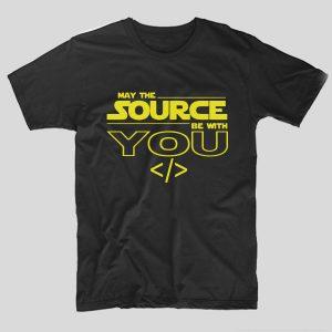 tricou-negru-cu-mesaj-haios-pentru-programatori-may-the-source-be-with-you