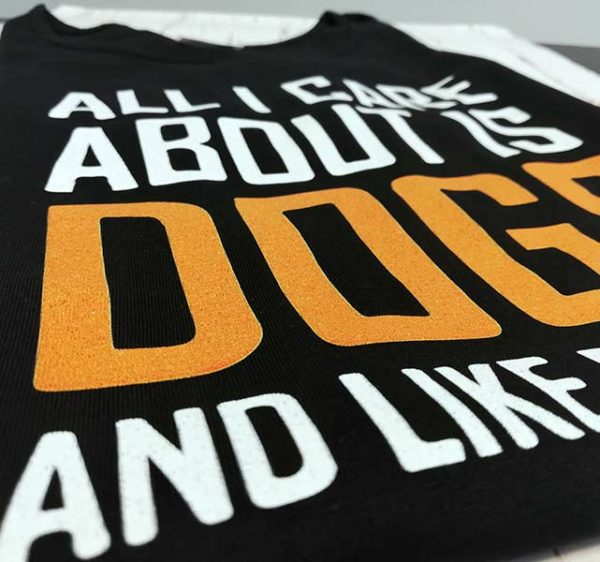 tricou-negru-cu-mesaj-all-i-care-about-is-dogs-and-ltricou-negru-cu-mesaj-all-i-care-about-is-dogs-and-like-maybe-2-peopleike-maybe-2-people