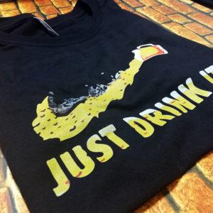tricou-negru-cu-mesaj-haios-just-drink-it-nike