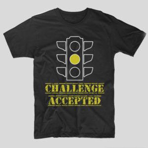 tricou-negru-cu-mesaj-haios-pentru-soferi-challenge-accepted