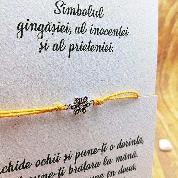 bratara-handmade-floricica-macro