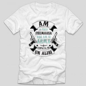 tricou-alb-cu-mesaj-haios-pentru-tatici-am-o-fiica-frumoasa-dar-am-si-arma-o-lopata-si-un-alibi