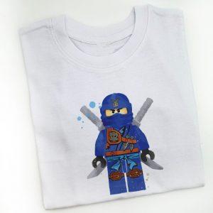 tricou-lego-ninjago-jay-standing-macro