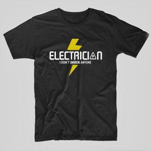 Tricou-electrician-i-dont-shock-anyone-negru